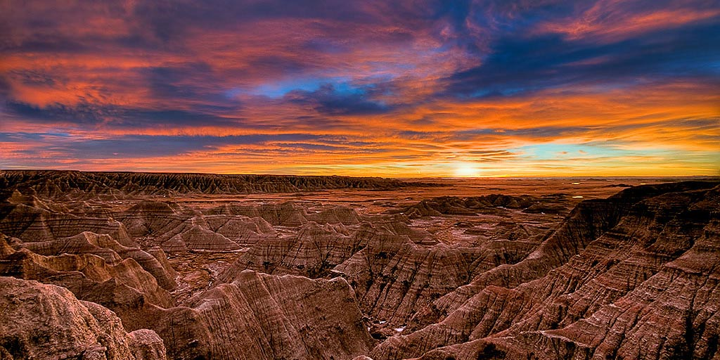 RikkFlohrBadlands-Brilliant-Sunset-CROP