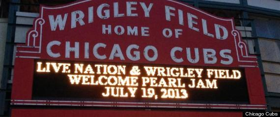 r-PEARL-JAM-AT-WRIGLEY-FIELD-2013-large570