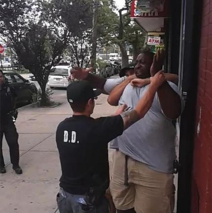 eric_garner_chokehold_videoyoutube.jpg.CROP.rtstoryvar-medium
